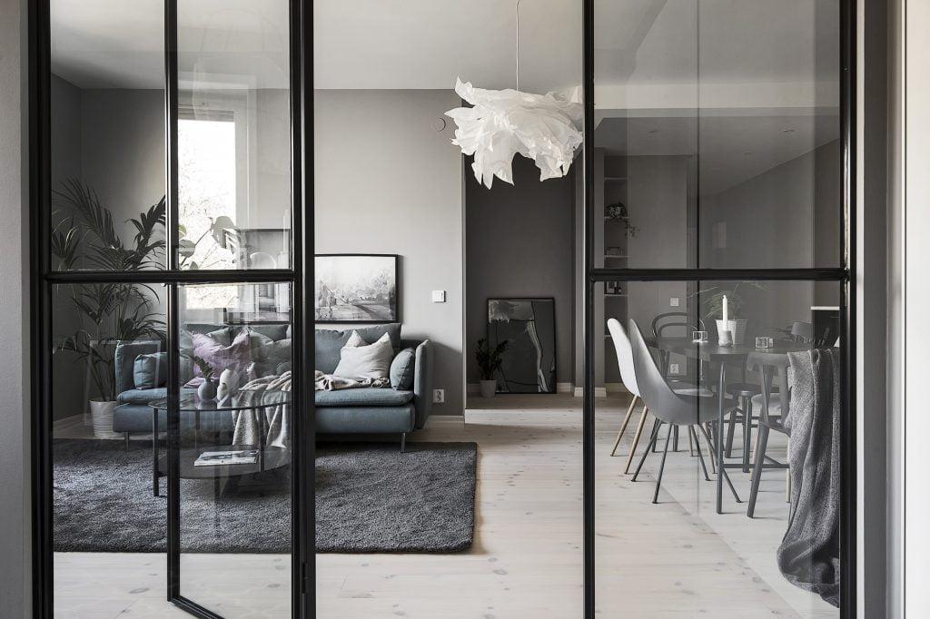 Glasväggar i vardagsrummet